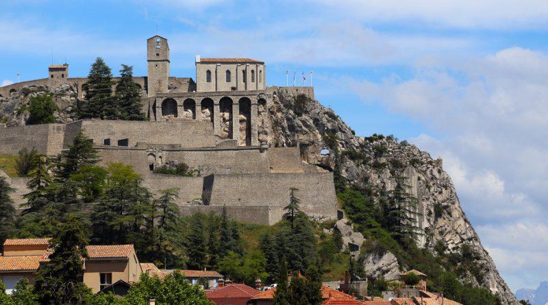 Замок Систерон во Франции