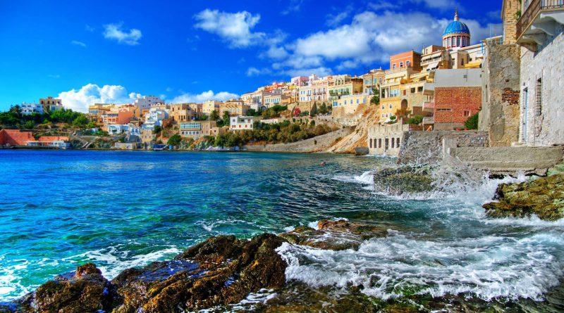 Остров Сирос в Греции