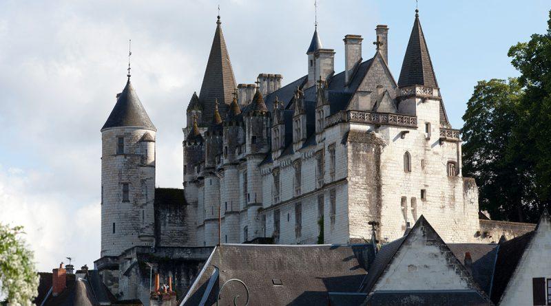 Замок Лош во Франции